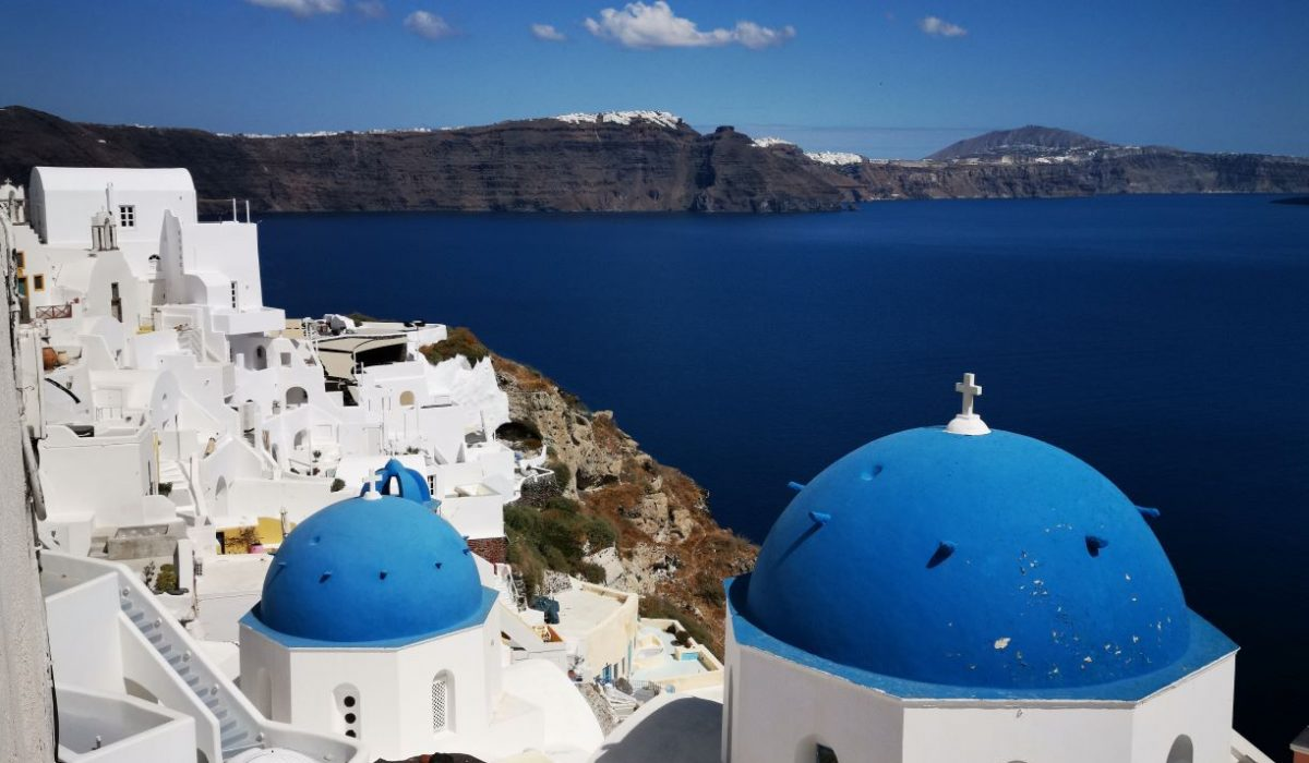 Photo Oia two domes classic